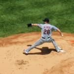 Corey Kluber Nr. 28 von den Cleveland Indians beim Pitch gegen die New York Yankees