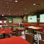 Innenansicht von Moe's Taverne in Springfield (Universal Orlando)