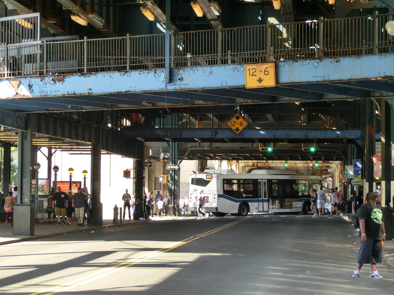 """unter der subway-station """"161 street yankee stadium"""""""