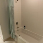 Badewanne in der Studio Suite der Dharma Home Suite - 70 Greene Street Jersey City