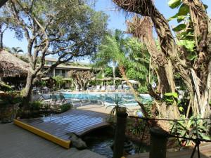 Ansicht Swimming-Pool Innenhof Best Western Naples Inn & Suites