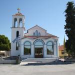 Griechisch-orthodoxe Kirche in Keramoti mit verspiegelten Außenfenstern
