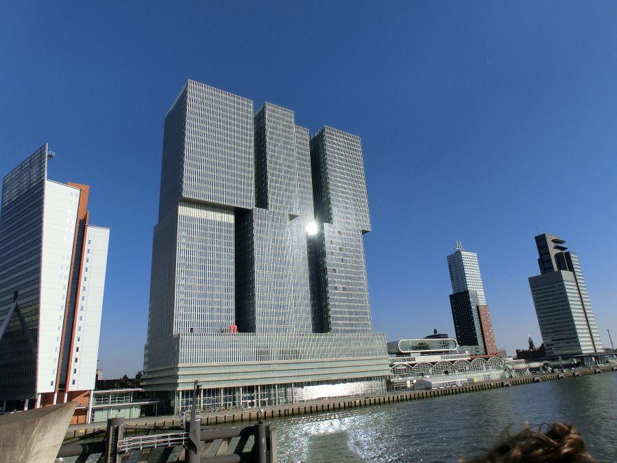 Das DE Rotterdam, die Vertical City mit dem Hotel nhow