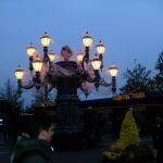 Halloween-Dekoration am Eingang des Europa-Parks