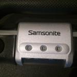 Älteres Nummernschloss an einem Samsonite-Koffer ohne TSA Generalschlüsselzugang.